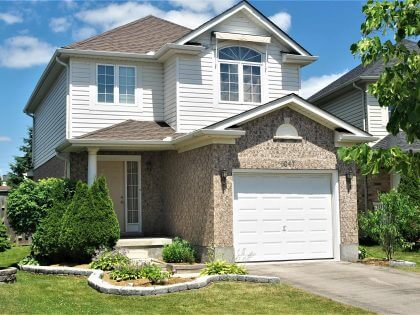 SOLD! 1047 Crosscreek Crescent